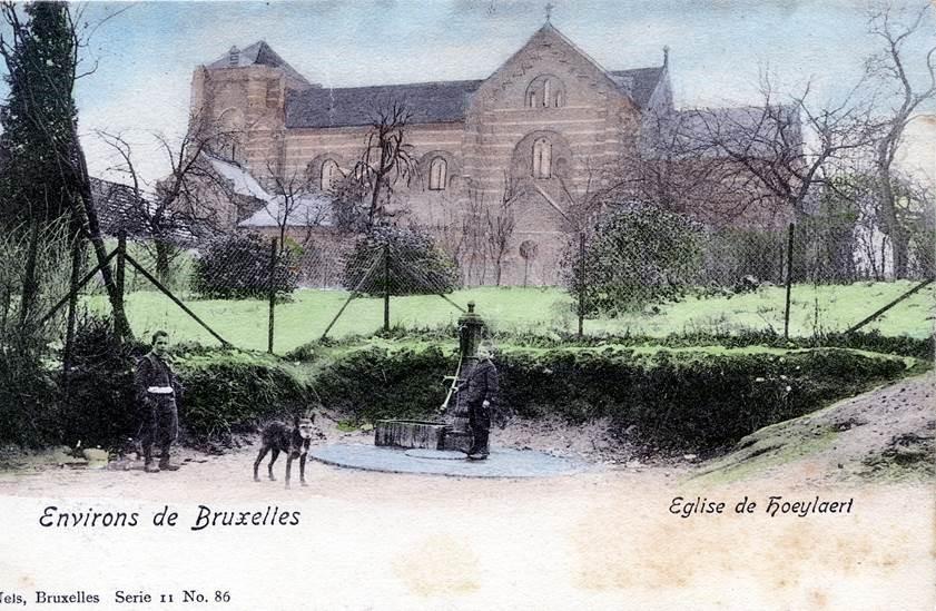 Oude postkaart met waterpomp op Gemeenteplein